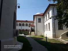 Manastirea Comana - comuna Comana, judetul Giurgiu - InfoGhidRomania.com Romania, Mansions, House Styles, Home Decor, Decoration Home, Manor Houses, Room Decor, Villas, Mansion