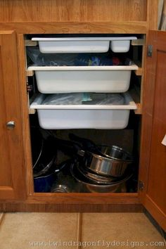 Brilliant Motorhome Organization And Storage Ideas (15)