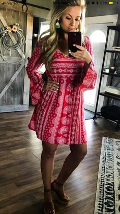 southern fried chics Southern Style Clothes, Southern Girl Outfits, Country Girl Dresses, Southern Dresses, Southern Girl Style, Southern Fashion, Country Fashion, Country Outfits, Southern Living