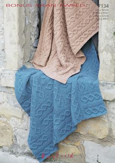 Blanket and Stripes Throw in Hayfield Bonus Aran Tweed - 7134