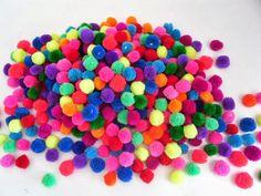 Pompones de colores. Una Bruja Piruja