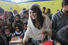 Reham Khan Birthday Pictures 2017-18 Celebrates in Islamabad (3)