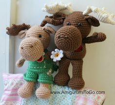 Meet Art and Muddy,  They are about 13 inches tall. I used Red Heart Comfort yarn with a 5mm hook. Art is the beige moose I made for my father (Art) on Father's Day this year. Muddy is my brown moose