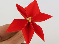 9 Easy Poinsettia Craft Pattern Ideas For Kids   Styles At Life Origami Pig, Origami Wreath, Diy Origami, Origami Flower, Tissue Paper Crafts, Toilet Paper Roll Crafts, Paper Crafts For Kids, Craft Kids, Crochet Christmas Trees