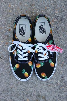 Pineapple Custom Vans via Etsy Pineapple Vans, Pineapple Express, Pineapple Clothes, Pineapple Outfit, Pineapple Print, Crazy Shoes, Me Too Shoes, Dream Shoes, Keds