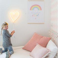 Neonlampe herz gelb a little lovely company 1
