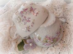 Vintage teacups & vintage lace By eg2006