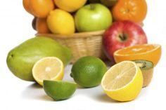 Si bien es cierto que la vacuna AH1N1 es el método que está certificado para contrarrestar las posibilidades de transmisión del virus de la influenza, también existen otros mecanismos que te ayudarán a fortalecer tu sistema inmunológico. Una forma de lograrlo es consumir frutas y verduras, ricas en vitaminas A y C, como zanahoria, naranja, papaya, guayaba, mandarina, lima, limón y piña. Además de ser ricas en antioxidantes, contienen propiedades que aumenta los glóbulos rojos y en…