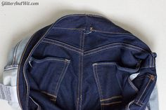 How to alter your jeans waistband, to take in a too big waist and remove the gap. A sewing DIY. Sewing Hacks, Sewing Tutorials, Sewing Patterns, Sewing Diy, Sewing Projects, Make Skinny Jeans, Altering Jeans, Sewing Jeans, Sewing Alterations