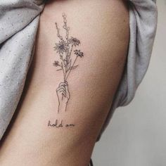 New simple flower tattoo hand Ideas Simple Flower Tattoo, Small Flower Tattoos, Flower Tattoo Designs, Small Tattoos, Tattoo Flowers, Tattoo Simple, Minimal Tattoo, Tiny Tattoos For Girls, Arm Tattoos For Women