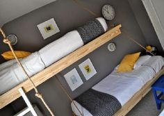 This is a great idea for a kids bedroom, it's about some hanging beds, as if they were bunk beds but instead of being supported on the ground and over another Boys Bedroom Furniture, Pallet Furniture, One Bedroom, Kids Bedroom, Boy Bedrooms, Kids Rooms, Chaise Longue Diy, Teen Boy Bedding, Diy Daybed