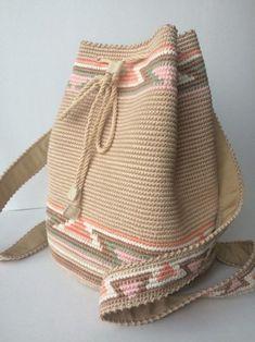 Tapestry Bag Tapestry Crochet Knit Crochet Crochet Purses Yarn Crafts Diy Crafts Eyeliner Eyeshadow Holidays With Kids Free Crochet Bag, Crochet Tote, Crochet Handbags, Crochet Purses, Crochet Stitches, Knit Crochet, Drawstring Bag Diy, Tapestry Crochet Patterns, Crochet Backpack