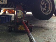 121004_Pit stop (engine oil change)