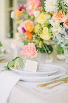When it comes to wedding color palettes, blush and neutrals are usually the go-to but not in this elopement! When the bride wants a bright and summery southern elopement, you make it happen! Nothing screams summer like some bright, bold florals! It's like sangria in flower form. It doesn't take much to make a wedding feel personal. This wedding will inspire you to create a sophisticated, fun and bold wedding with bright colors. Elegant Wedding, Floral Wedding, Wedding Colors, Rustic Wedding, Wedding Ideas, Floral Centerpieces, Floral Arrangements, Table Setting Design, Unique Invitations