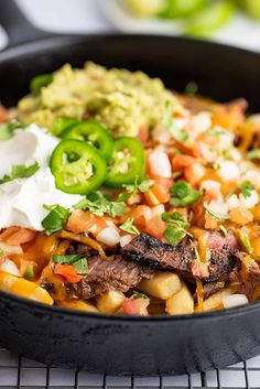 Carne Asada Fries are a SoCal restaurant favorite, but they're incredibly EASY to make at home. A crowd-pleasing appetizer or decadent dinner. Recipes Using Pork, Beef Recipes For Dinner, Delicious Dinner Recipes, Mexican Food Recipes, Shredded Chicken Tacos, Slow Cooked Chicken, Carne Asada Fries, Italian Sausage Pasta, Ground Beef Casserole