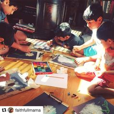 What a FUN scene from last week's live art tutorial with Nana and Pam Barnhill! Look at all the art in action. ❤️🎨 #Repost @faithfullmama with @repostapp  ・・・  Working with chalk pastels.  @hspambarnhill #youareanartist @hodgepodgemom @luciahames