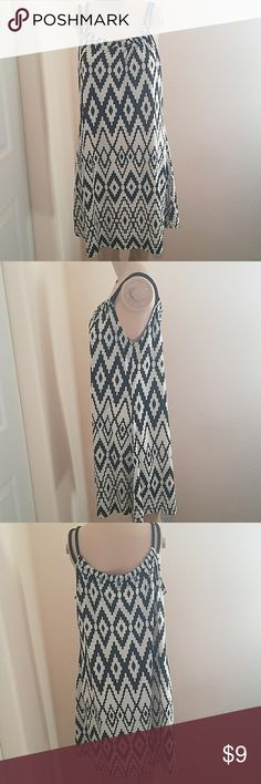 J. Valdi Tunic Dress Black rope straps. Black and white pattern. Very comfortable and flowy. Has pockets on both sides!! Dresses