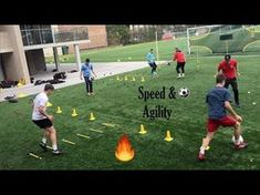When you participate in soccer training, you will find that you are introduced to many different types of methods of play. One of the most important aspects of your soccer training regime is learning the basics of kicking the soccer b Football Workouts, Football Drills, Agility Workouts, Weight Training Workouts, Soccer Coaching, Soccer Training, Volleyball Tips, Soccer Tips, Golf Tips