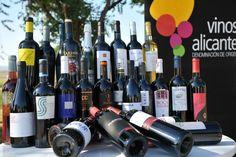 ¿Sabes que tenemos unos caldos excelentes en Alicante?  #vinosdealicante #gastronomiacostablanca #costablanca