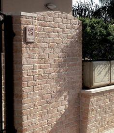 Mattone dettaglio esterno #Catalogo #Rivestimenti online: http://www.pietraprimiceri.it/catalogo/catalogo-rivestimenti.html #primiceri #manufatti #pietraprimiceri
