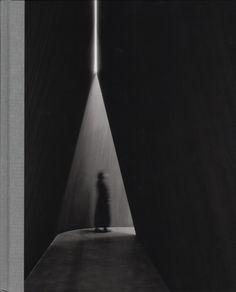 - - Informations About Richard Serra 2016 - Richard Serra 2016 – William Stout Architectural Books . PinYou can easily Shadow Architecture, Sacred Architecture, Cultural Architecture, Education Architecture, Light Architecture, Architecture Details, Residential Architecture, Richard Serra, Sombra E Penumbra