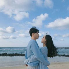 Matching Couple Outfits, Matching Couples, Cute Couples Goals, Couple Goals, Korean Couple Photoshoot, Couple Ulzzang, Kreative Portraits, Couple Aesthetic, Cute Couple Pictures