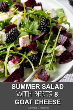 This Healthy Summer Salad with Roasted Beets, Goat Cheese & Arugula will make a healthy dinner side dish or quick vegetarian lunch. So yummy! Salad Recipes For Parties, Salad Recipes For Dinner, Dinner Salads, Healthy Salad Recipes, Clean Recipes, Yummy Recipes, Vegetarian Lunch, Vegetarian Recipes, Salads