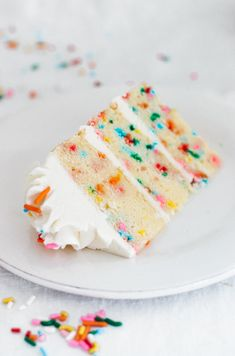 The best homemade funfetti cake recipe. Tender, light, moist, and fluffy with creamy vanilla buttercream frosting. Funfetti Kuchen, Funfetti Cake, Moist Vanilla Cake, Vanilla Buttercream Frosting, Savoury Cake, Dessert Recipes, Desserts, Cookies Et Biscuits, Let Them Eat Cake