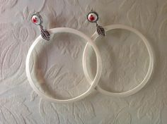 Large Circle White Earrings by Laladiva.White and Red.2013. http://complementoslaladiva.com/