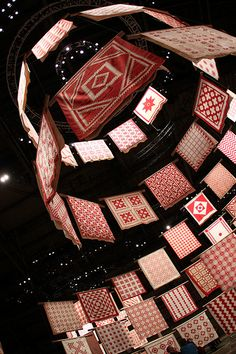 IPB Living - Great photos Red and White Quilt Exhibit