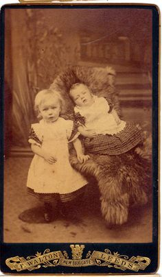 Elizabeth age 3 with sister Abigail who died at 7 months. Memento Mori, Post Mortem Pictures, Victorian Photography, Post Mortem Photography, After Life, 7 Months, Vanitas, Before Us, Age 3