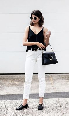 Tendance Chaussures 2018 Description Talisa Sutton + black leather loafers + white jeans + black tank top + gorgeously contrasting outfit + sophisticated style + Loafers + cropped or rolled jeans! Camisole/Jeans: Grana + Bag: J.W Anderson + Loafers: Black Loafers Outfit, Black Leather Loafers, Outfit Jeans, Loafers Outfit Summer, Denim Outfits, Jeans Pants, Work Outfits, White Summer Outfits, Spring Outfits