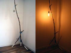 Lampadaire cerisier et vieille ampoule. Enfin terminé.  #wood #lamp #diy #wooden #light #home