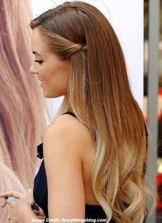 Straight and Sleek #Hairstyle for #LookYounger