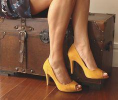 Peep Toe Suede amarelo #emporionaka
