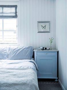33 Cool Teenage Boy Room Decor Ideas - The Trending House Beach House Bedroom, Home Bedroom, Bedrooms, Boys Room Decor, Boy Room, Moderne Lofts, White Laundry Rooms, Swedish Decor, Man Cave Bar