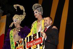 Grupo Mascarada Carnaval: Drag Vulcano reina en el carnaval africano de Gáld...