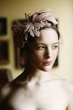 feather net veil fascinator headpiece Headpiece Inspiration by Jennifer Behr + Belathee + a BHLDN Giveaway! Wedding Hats, Wedding Veils, Hair Wedding, Wedding Makeup, Birdcage Wedding, Birdcage Veils, Wedding Dresses, Fancy Hats, Bridal Headpieces