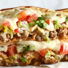 Crunchwrap Supreme - Pinch of Yum Crunchwrap Supreme! Layers of taco meat, queso, tostada, lett Mexican Food Recipes, Beef Recipes, Chicken Recipes, Dinner Recipes, Cooking Recipes, Healthy Recipes, Ethnic Recipes, Taco Bell Recipes, Tostada Recipes