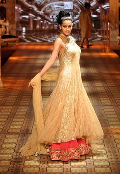 #manishmalhotra #lehenga #embroidery #embellished #delhicoutureweek