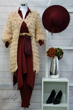 Bordeaux - ein Muss im Herbst 2019 Overall Jumpsuit, Longsleeve, Bordeaux, Girls, Sequin Shirt, Green Flowers, Two Piece Outfit, Styling Tips, Autumn