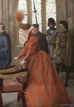 Elizabeth's Red Boat Gown ( Elizabeth The Golden Age, Alexandra, Byrne Elizabethan Dress, Medieval Dress, Tudor Costumes, Movie Costumes, Elizabeth The Golden Age, Film Elizabeth, Queen Elizabeth, Fashion Tv, Fashion History