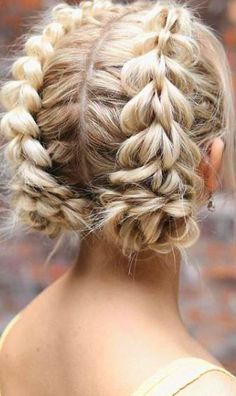 Hairstyles for the Everyday Girl Braids, Buns, and Twists! Step-by-Step Tutorials. Pinterest Best Hair and Beauty Board. #hairstyle