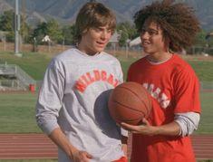 Troy Bolton, Film High School, Hight School Musical, High School Musical Quizzes, Disney Channel, Zac Efron High School, Film Musical, Motto, What Team