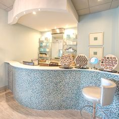 Meritage Spa at Coastal Skin Surgery is offering special Valentine's Packages for the month of February. Valentine Special, Valentines, Spa Interior Design, Spa Packages, Spa Offers, Spa Day, Corner Bathtub, Surgery, Emerald