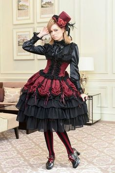 do you feel we can keep this confidence going - YES - you look wonderful and make a smashing girl Chat Steampunk, Style Steampunk, Steampunk Fashion, Gothic Steampunk, Steampunk Clothing, Victorian Gothic, Gothic Lolita Fashion, Gothic Dress, Lolita Dress