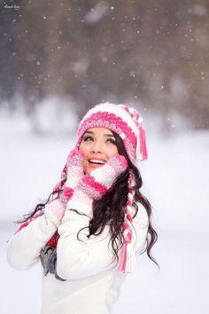 Фотография сказочная winter senior pictures, winter photography и snow phot Winter Senior Pictures, Winter Pictures, Senior Pics, Senior Portraits, Fotografie Portraits, Cool Winter, Winter White, Winter Style, Wow Photo