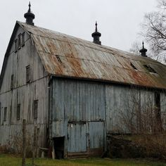 Country Barns, Old Barns, Country Roads, Barn Pictures, Pictures To Draw, Animal Farm George Orwell, Mill Farm, Converted Barn, Fotografia Macro