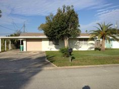 1620 Elizabeth Street | Melbourne, FL | Call our office today for more information about this home! | 321-768-7600
