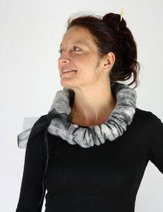 Gallery.ru / Фото #91 - ARIANE SROKA - renew Felt Necklace, Wool Felt, Felted Wool, Wool Scarf, Jewelry Crafts, Felting, Gallery, Jewellery, Fashion